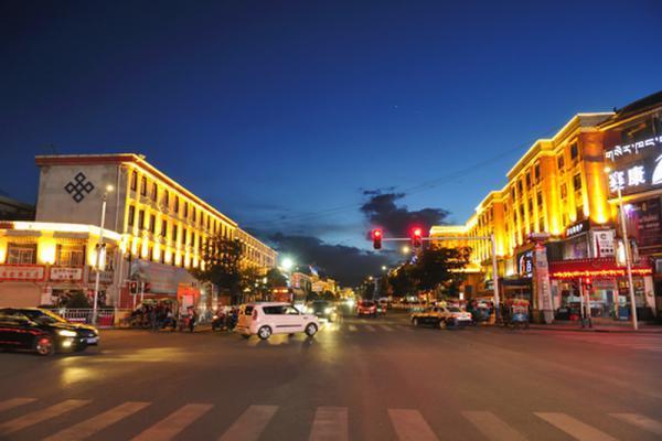 被严重低估的拉萨城建,拉萨城市越来越漂亮了!
