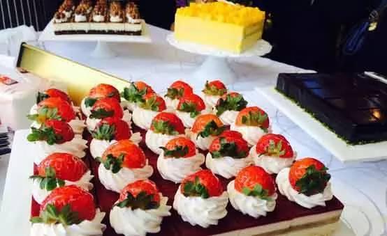 """一座带着""""香气""""的美食地标——万达广场里的甜品小吃"""