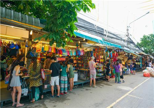 开个十元店需要多少钱?卖哪些商品最合适?