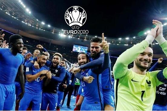 """归来!本泽马回归法国队,力争为高卢雄鸡拿下欧洲杯冠军 对于高卢雄鸡球迷而言,没有比本泽马回归球队更好的消息。法国队在各个位置上都有着不错的人员储备,唯独在中锋位置上没有太多的球员可供选择。无论是马夏尔、吉鲁,还是西汉姆联的阿莱,都不符合球迷眼中法国队最佳中锋球员的标准。德尚原本有更好的选择——本泽马,但由于此前本泽马被曝出污点新闻,德尚一直将其排除在外。拒绝本泽马也让德尚的执教生涯接连遭遇打击。2016年欧洲杯,作为东道主的法国队,因为缺乏一锤定音的能力错失拿下欧洲杯的机会。    德尚比任何人都明白,本泽马能够回归球队,便可以让法国队的实力大幅度增长。但德尚对于球员有着严格的纪律要求,本泽马不检点的作风,让他对这位球员一直保持着厌恶的态度。数年前,本泽马因为""""录像带""""丑闻被德尚打入冷宫,从此不再被视为法国队的一员。录像带事件一直是本泽马心中一个挥之不去的阴影,他也始终没有机会同德尚达成和解。法国足协为求化解矛盾,由法国足协主席出面对该问题进行协调。    最终在2021年上半年,德尚和本泽马达成和解,两人将重新携手创造一个更强大的法国队。本泽马的回归,让法国队的实力倍增。他们在纸面实力上,没有任何一个位置存有明显的短板。本泽马回归之后,德尚便可以骄傲地向世界宣布,自己所执教的法国队拥有世界顶尖的三叉戟进攻组合。欧洲媒体预测,法国队将会在欧洲杯派出一套稳固的进攻线组合。    这套组合中,姆巴佩和格里兹曼将会出现在边锋的位置上,而本泽马则负责担任中锋坐镇中路。本泽马在球场上只需要尽可能同博格巴加强联系,帮助其把中场的球权疏导至前锋线即可。即便本泽马不参与进攻,单纯作为支点型中锋出现在法国队的阵容中,也会让姆巴佩和格里兹曼在边路上踢得更加舒服。作为皇马本赛季头号射手,本泽马当然不会愿意仅仅作为一个支点型中锋出场比赛。    德尚会给予本泽马一定的球权,以保证这位球员能够在进攻线上创造进球的机会。重新加入法国队,本泽马认为自己有能力在本次欧洲杯赛事当中,自己能够为球队拿到更好的成绩。他这样说道:""""发生的事情已经发生了,虽有遗憾,但我们不能回头,我们只能从过去中改变。""""要想观看本泽马在欧洲杯的精彩表现,中国球迷可以选择在乐动体育观看欧洲杯直播赛事,了解本泽马在法国国家队的表现。"""