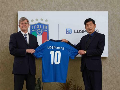 有来自中国的赞助鼎力支持,意大利足协高层表示欧洲杯定当创造佳绩